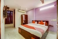 OYO 33489 Krishna Suites