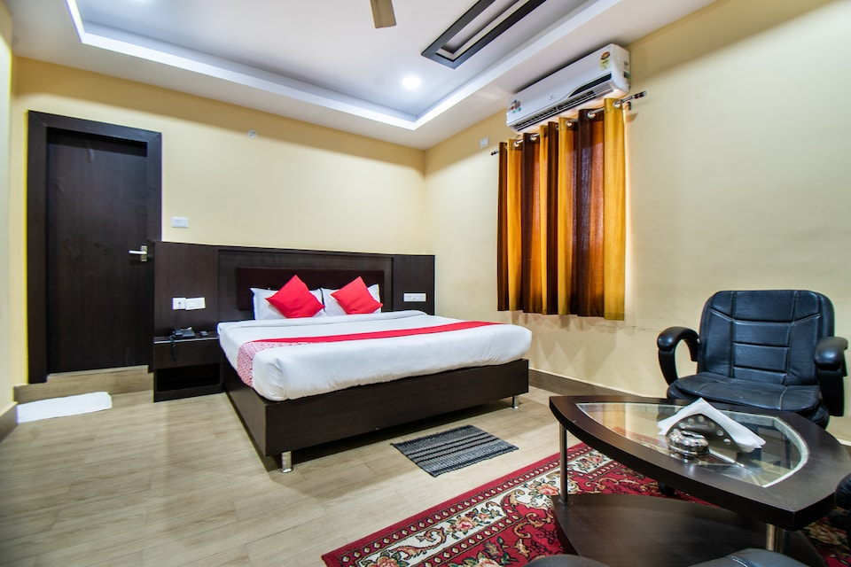 OYO 33503 Hotel Holiday international
