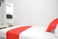 OYO 886 Ada Hotel & Apartment