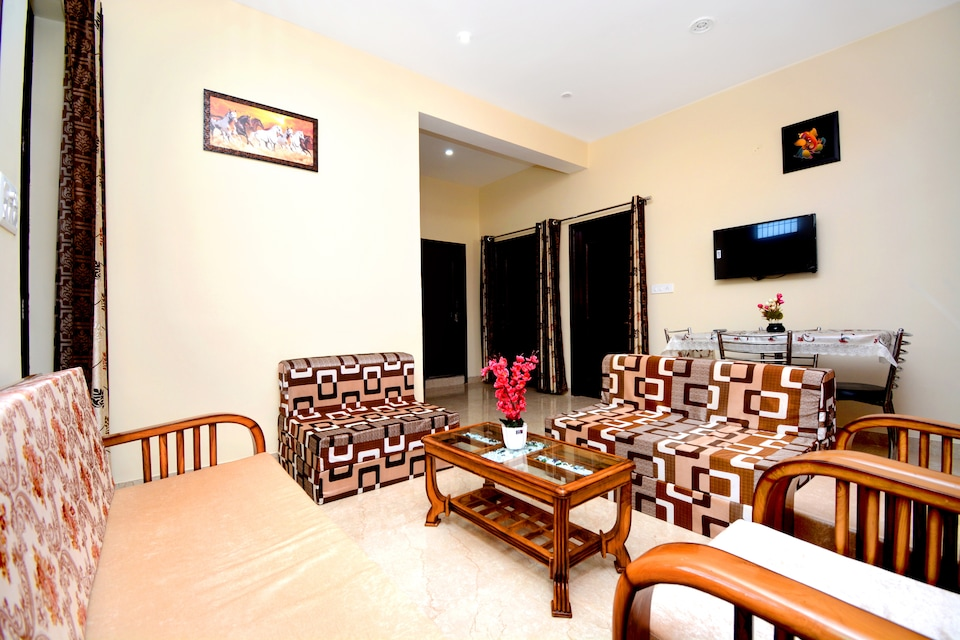 OYO Home 35380 Elegant 2bhk Apartment