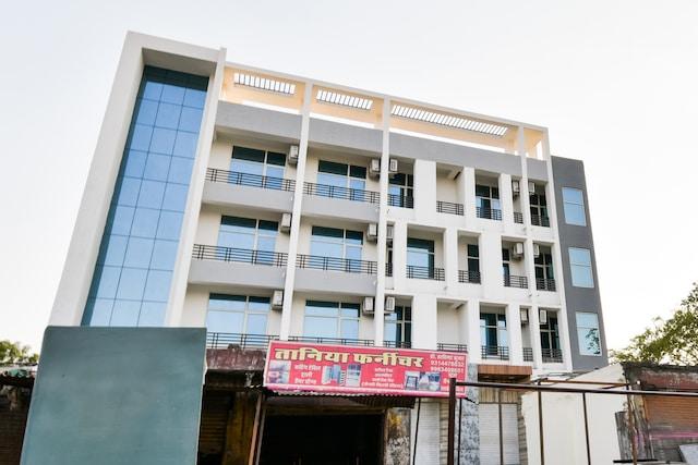 OYO 35433 Hotel Sethi Palace