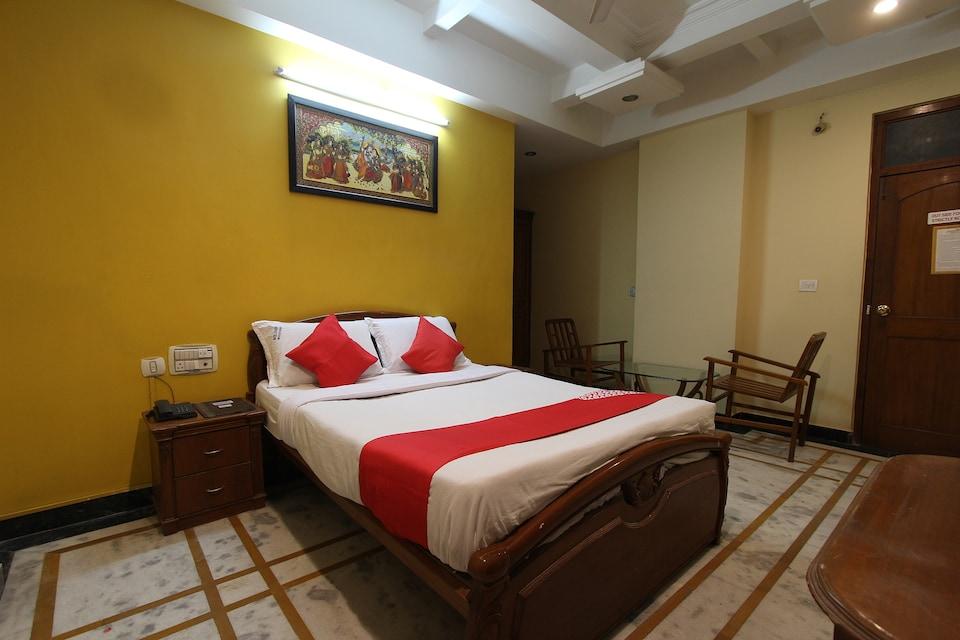 OYO 35457 Hotel Kubera Palace