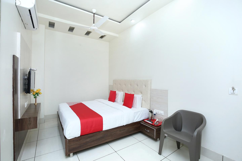 OYO 35464 Hotel Ls -1
