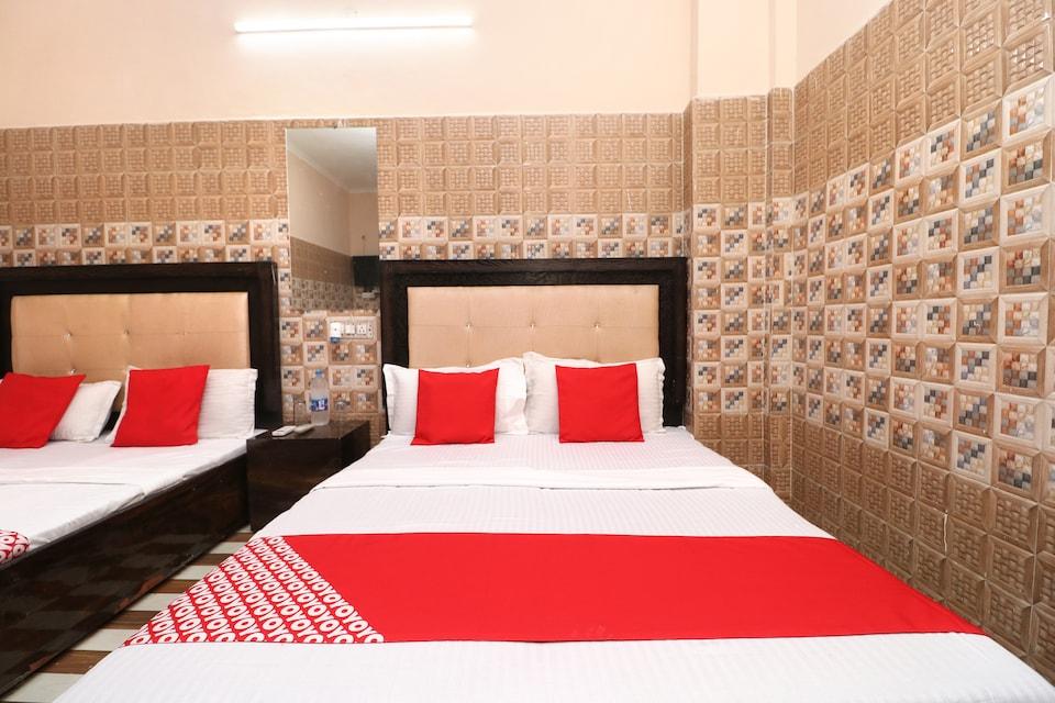OYO 35497 Hotel Kapoor Residency
