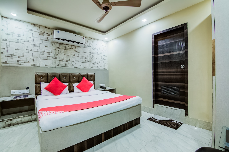 OYO 3512 Hotel Crystal Residency -1