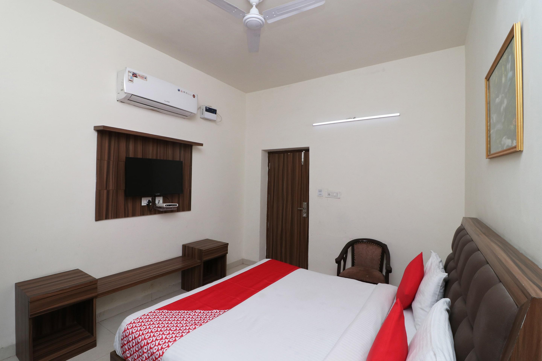 OYO 35514 Great India Hotel