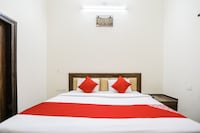OYO 35554 Prateek Paying Guest House