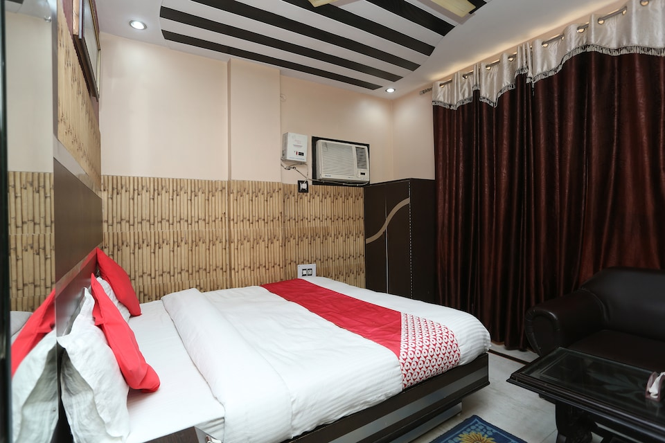 OYO 35562 Anand Guest House