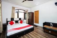 OYO 35568 Hotel White Palace