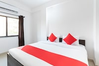 OYO 35604 Vinayak Service Apartments Saver