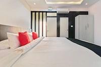 Capital O  35621 Hotel Durga International Deluxe