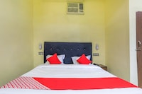 OYO 35652 Hotel Baba Genext