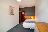 OYO Alumhurst Hotel