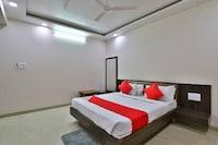 OYO 35670 Hotel Suraj Inn
