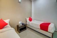 OYO 35676 Hotel Anand Saver