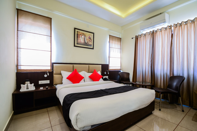 Capital O 35703 Hotel Sarovar Grand -1