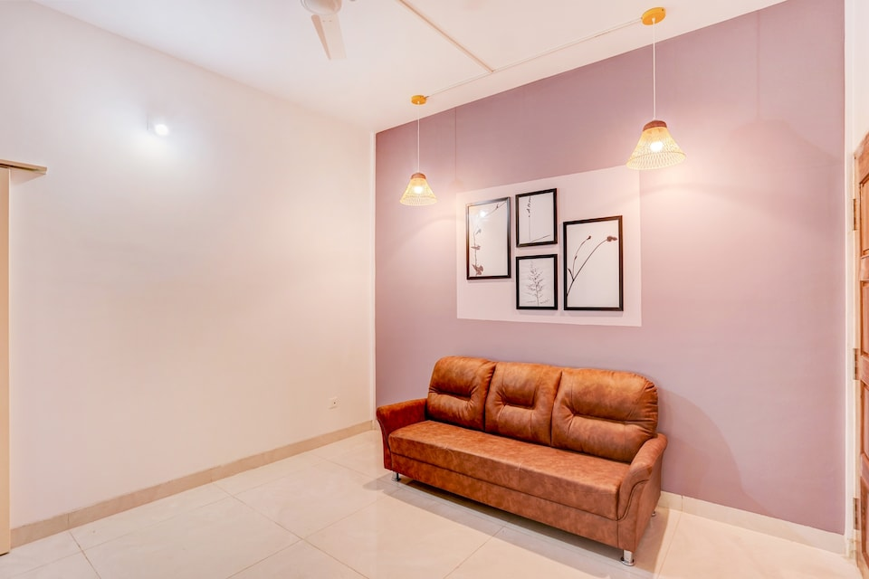 OYO 35726 Contemporary Stay, Kalinganagar, Ghatikia