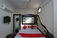 OYO 35747 Hotel Anand Saver