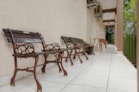 OYO 665 Namora Residence