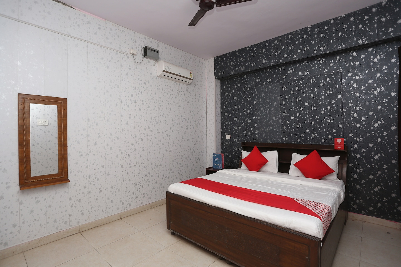OYO 35782 Sunrise Inn Guest House -1