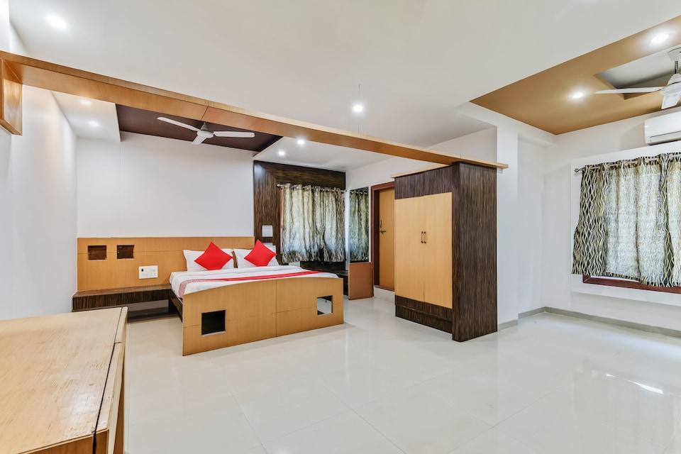 OYO 35803 Sachin Regency