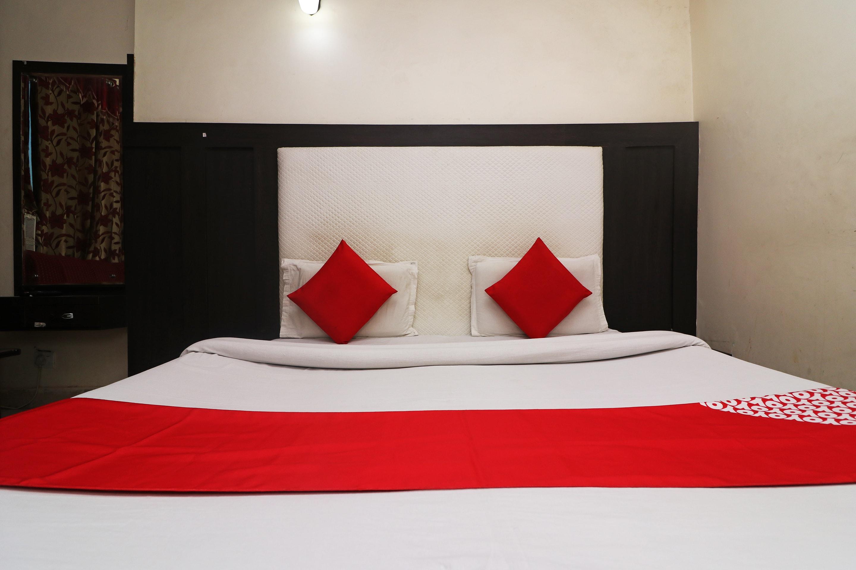 OYO 35806 Hotel Himgiri