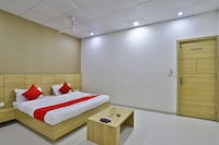 OYO 35809 Hotel Sheetal Deluxe