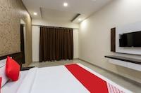 OYO 35824 Hotel Samaroh Parisar