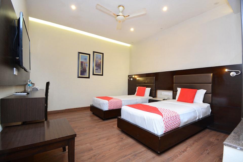 OYO 35828 Hotel TNG