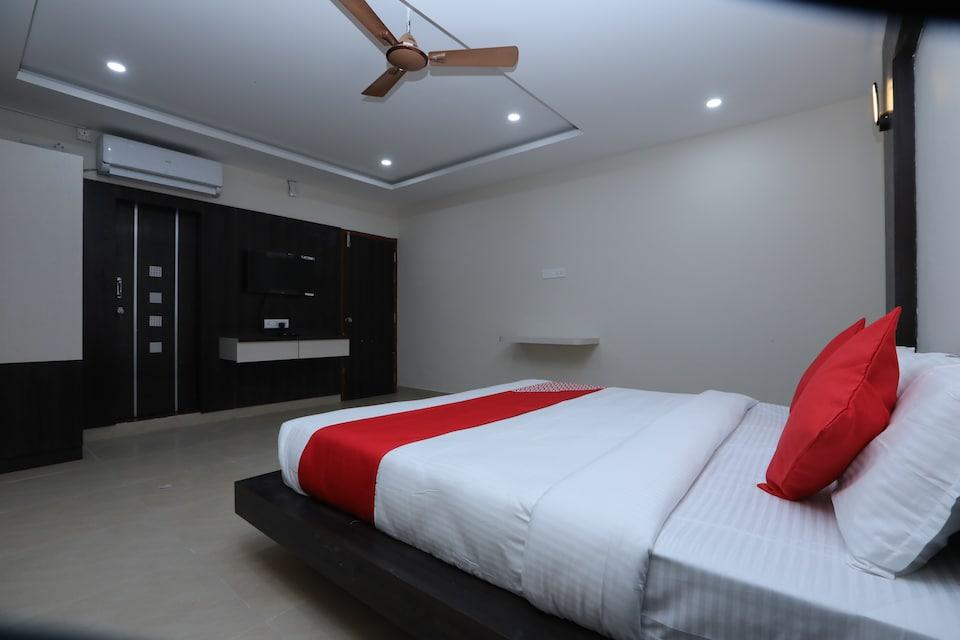 OYO 35879 Subhiksha Inn