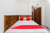 OYO 35902 Hotel Devhill Deluxe
