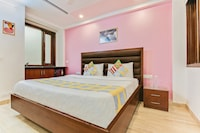 OYO Home 35915 Delightful Stay Near IIT Metro