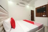 OYO 35930 Tricity Hotel Premia