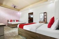 OYO 35941 Hotel Yuvraj Grand