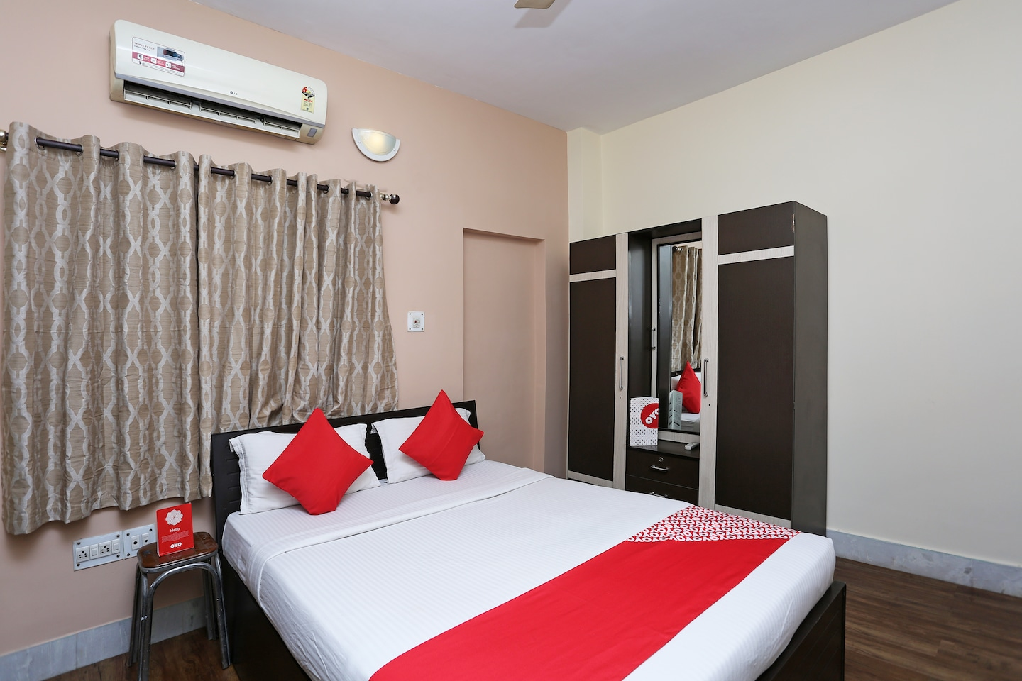 OYO 3554 Warmth Hospitality Guest House -1