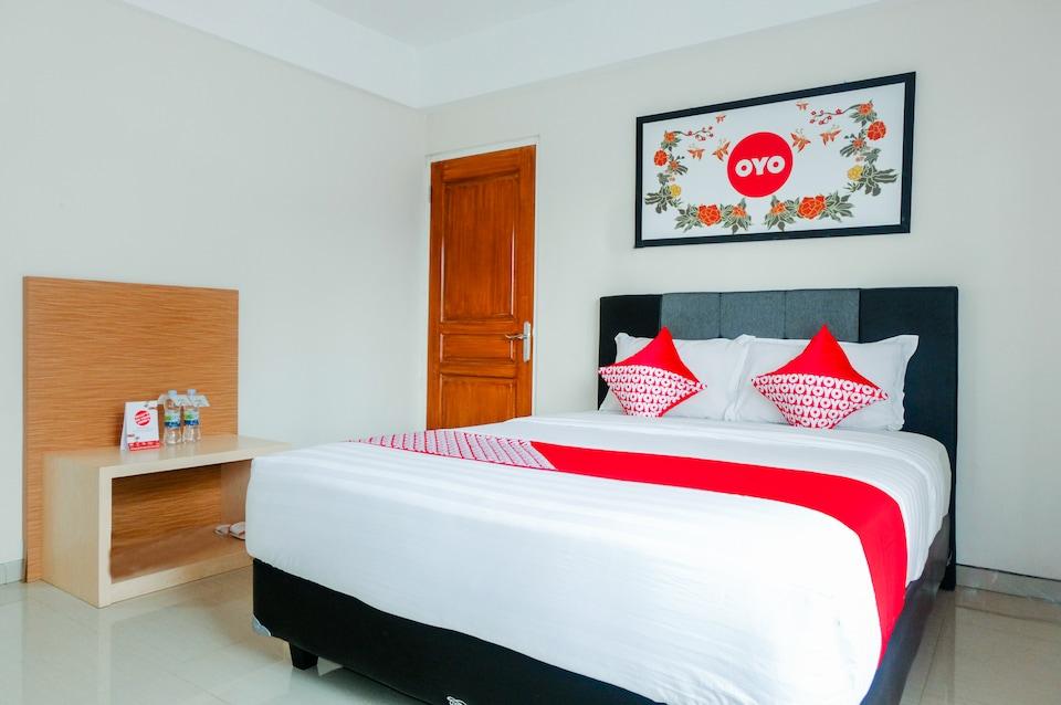 Oyo 696 Hasanah Guest House Syariah De Saphire Malang Harga Terbaru Rp130312