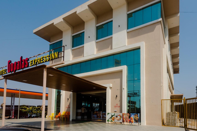 SPOT ON 35966 Gopalas Express Inn -1