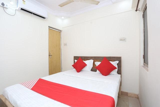OYO 36007 Hotel Mahendra Saver