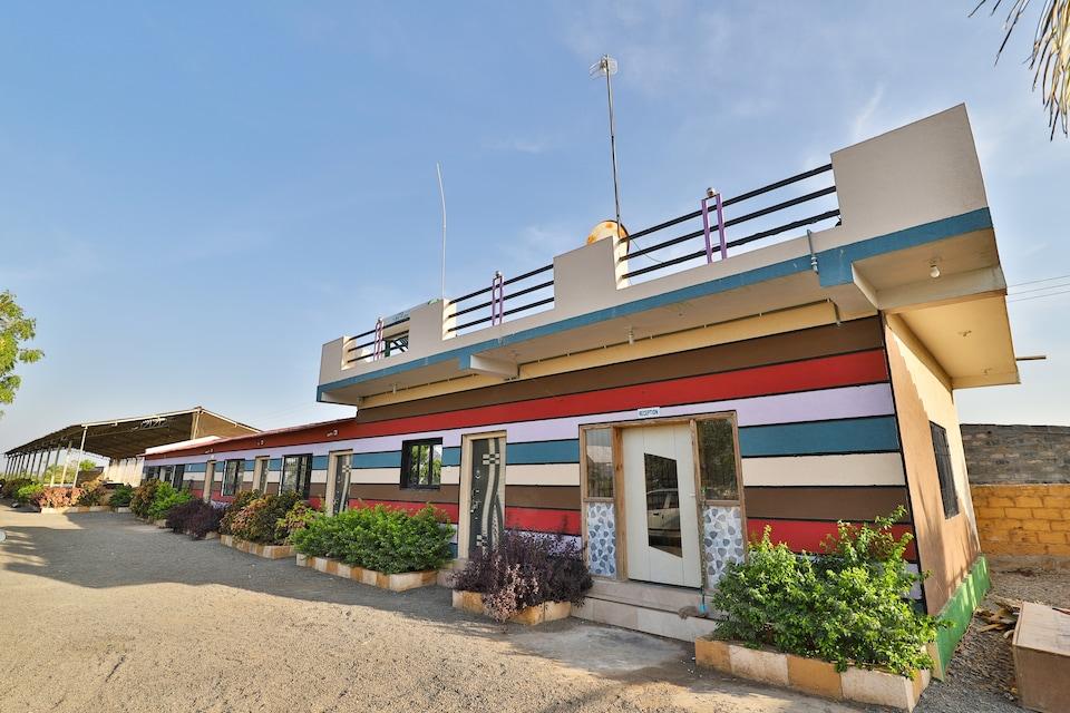 OYO 36015 O2 Way Resort