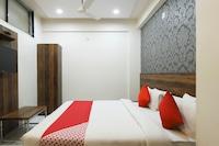 OYO 36117 Hotel Parivar