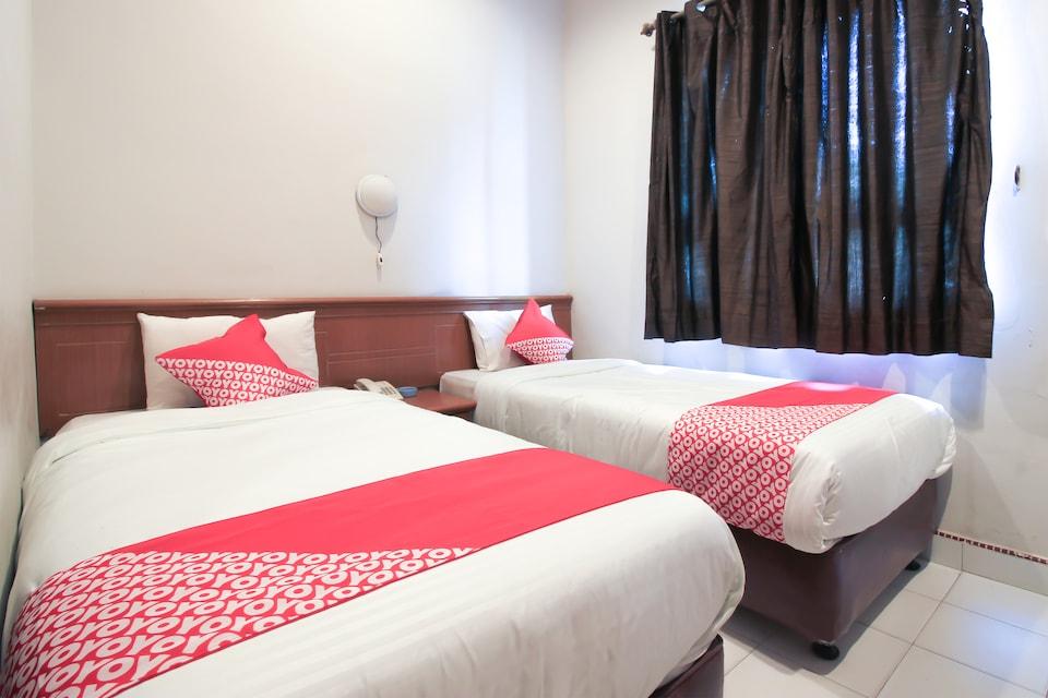 OYO 717 Hotel Dharma Utama Syariah