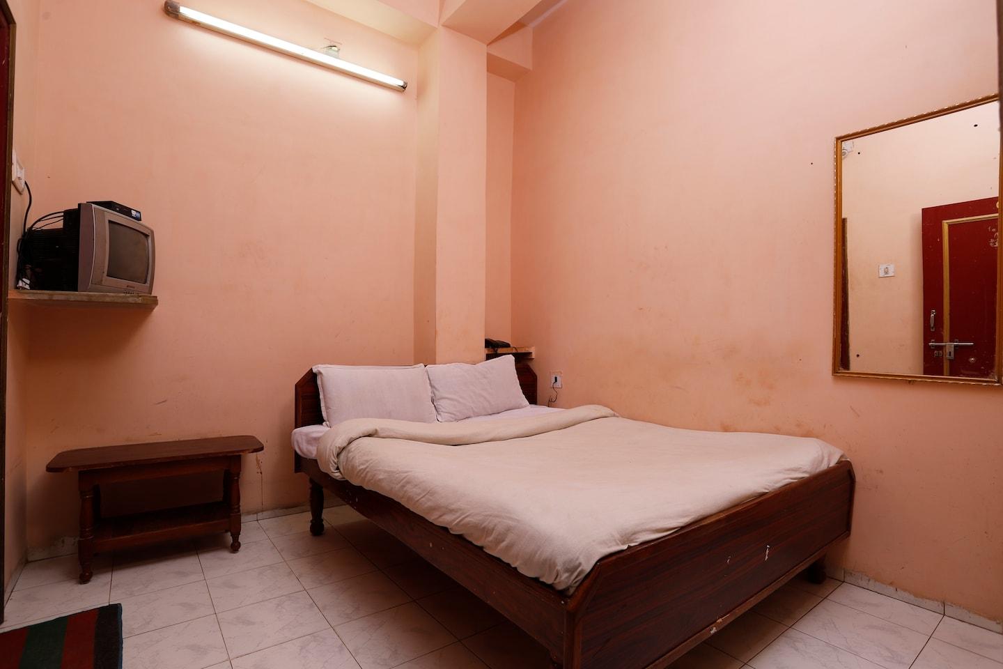 SPOT ON 36144 Hotel Bhawani -1