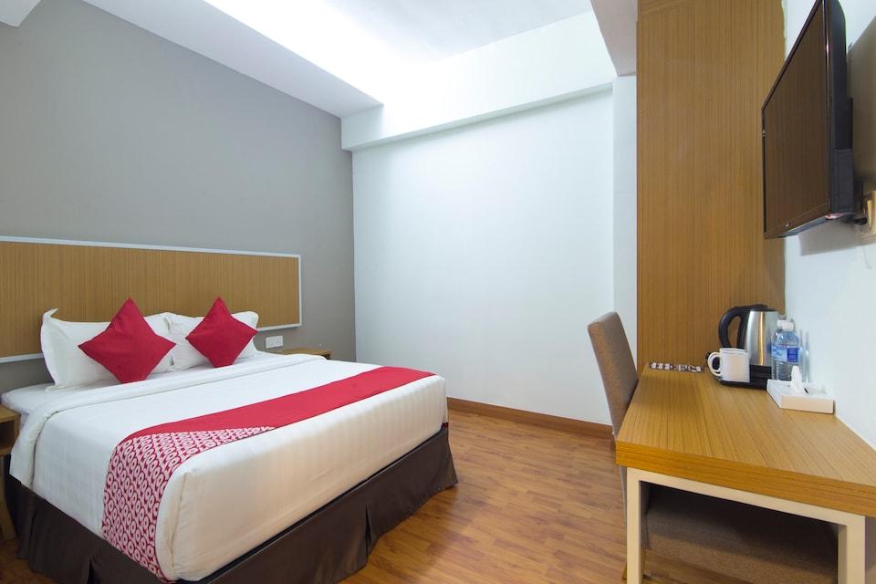 Capital O  978 Midaris Hotel