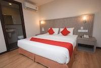 OYO 985 Hotel Nur