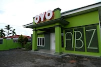 OYO 752 Abz Guest House