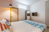 OYO Home 36476 Elegabt Stay Near PVS Film City