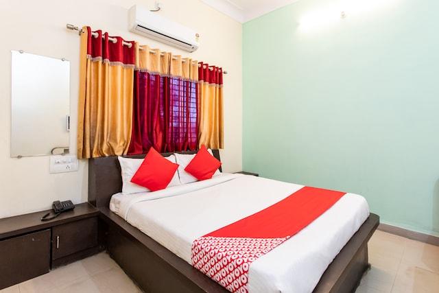 OYO 36511 Hotel Ritik Saver