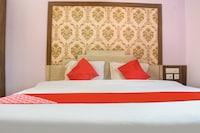 OYO 36517 Hotel Bharati Inn