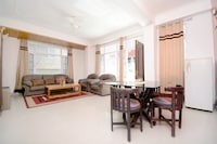 OYO Home 36519 Elite 2bhk Apartment Sproon