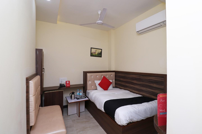 Capital O 36533 Hotel Lavkush International -1